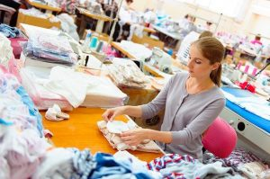 Textil- und Modenäher /-in